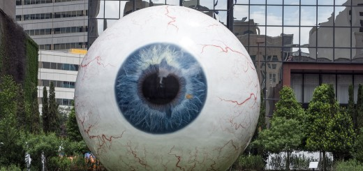 giant-eyeball-555793_1920
