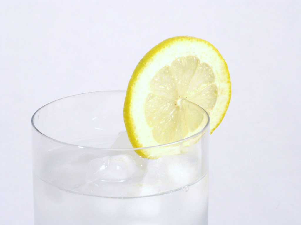 water helps your eyes