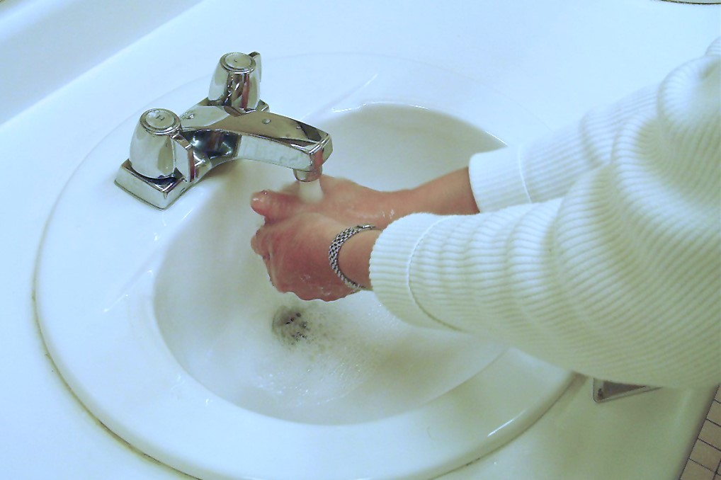 natural way to help your eyes - wash hands